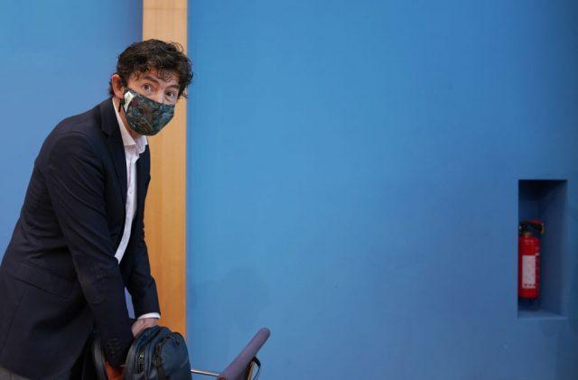 Charité-Virologe Drosten: Auch wenn wir impfen, wird der Großteil der Bevölkerung weiter Masken tragen