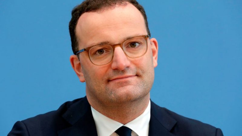 Spahn soll Sonderrechte in Corona-Krise länger behalten – SPD dagegen