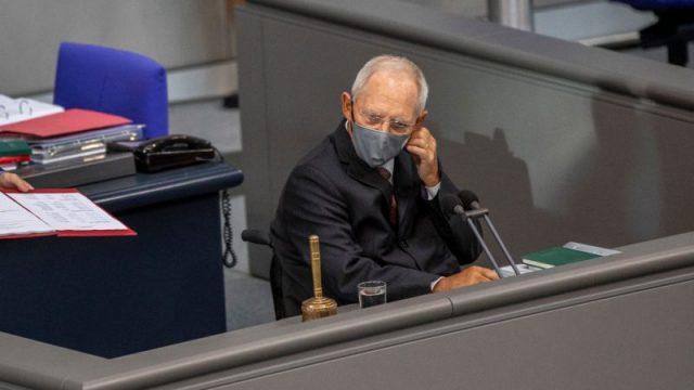 Ab Dienstag gilt im Bundestag Maskenpflicht - bis zu 25.000 Euro Bußgeld bei Verstößen
