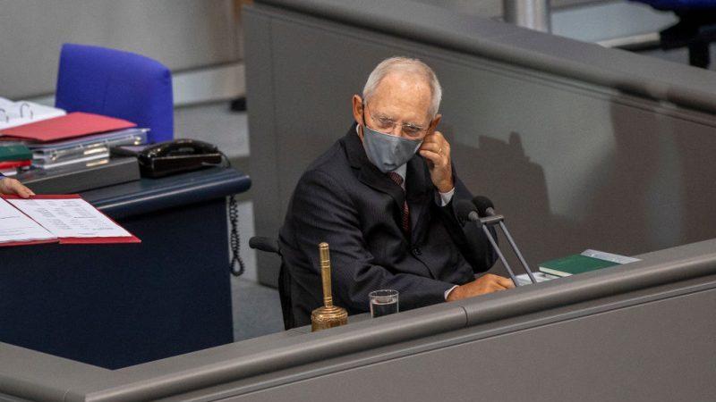 Schäuble will nach Bedrängung von Bundespolitikern schärfere Sicherheitsvorkehrungen