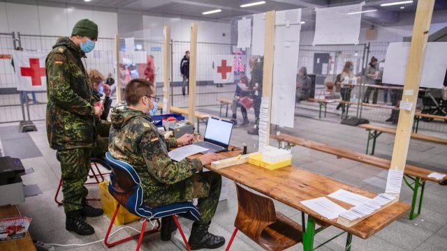 Berlin sagt Nato Soldaten für mögliche Covid-19-Einsätze zu