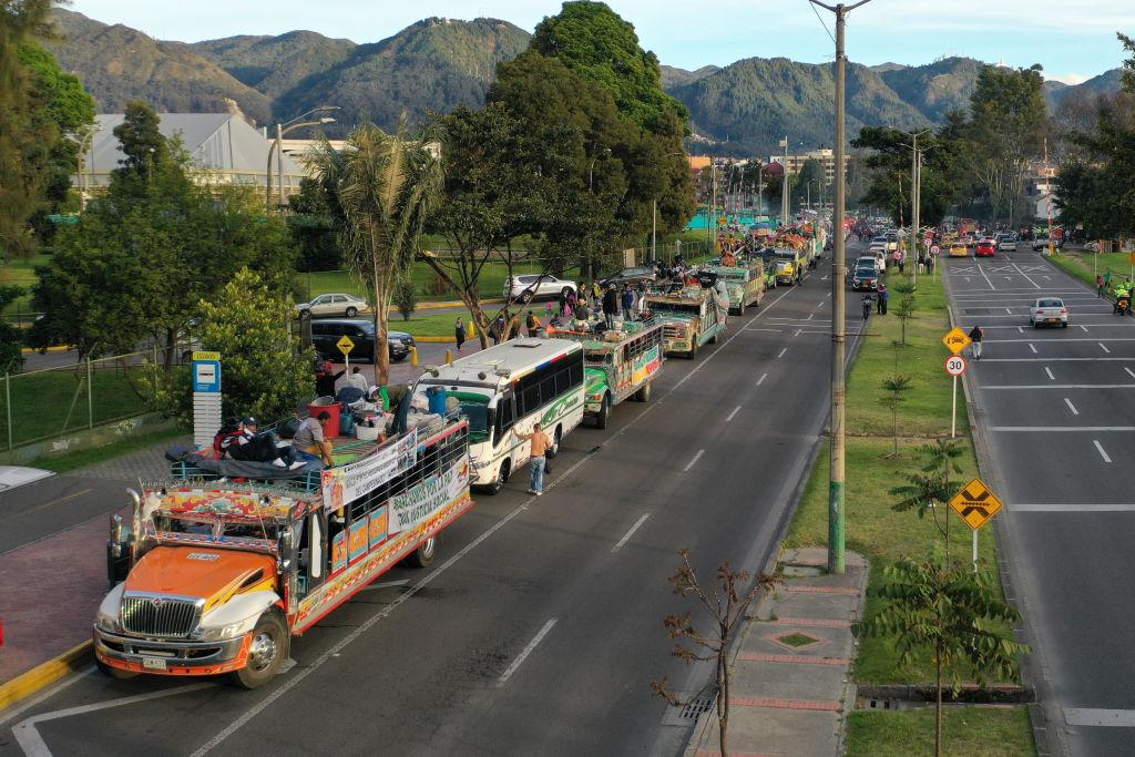 Demonstrationszug kolumbianischer Ureinwohner erreicht Hauptstadt Bogotá