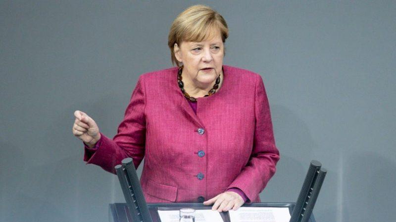 """Merkel verteidigt """"Wellenbrecher-Lockdown"""" und warnt vor """"Lüge und Desinformationen"""""""