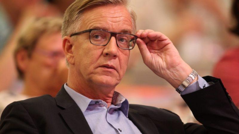 Linksfraktionschef Bartsch: Merkel verunsichert Bevölkerung