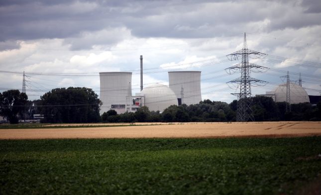 Frankreich verlängert Laufzeit für seine ältesten Atomkraftwerke