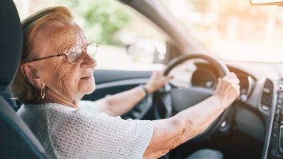 Senioren im Straßenverkehr: Eher Gefährdete statt Gefährder