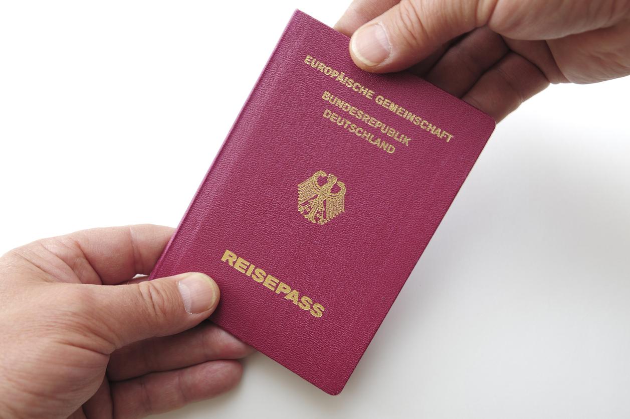 Regierung will in deutschen Pässen und Personalausweise bald verbindlich digitale Fingerabdrücke integrieren