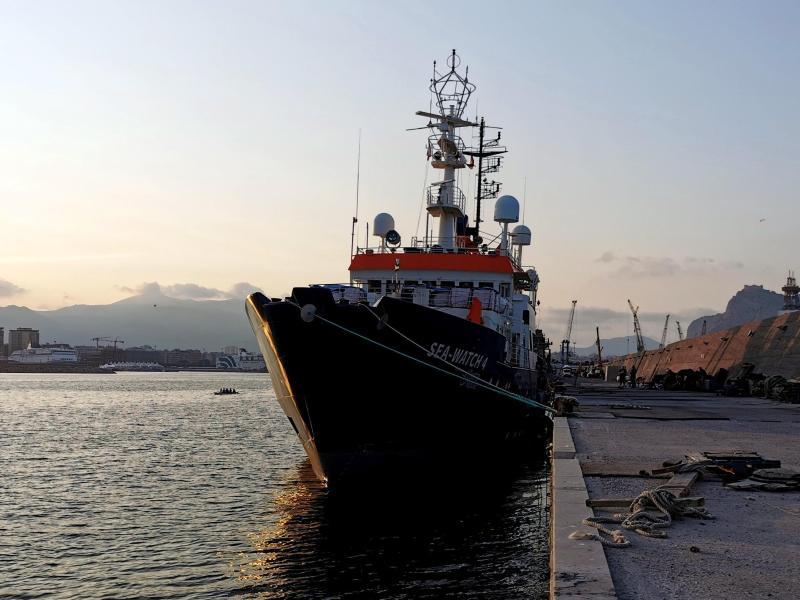 Bootsmigranten: Scheuer setzte NGO-Schiffe fest –  Hamburger Gericht erteilt Erlaubnis zum Auslaufen