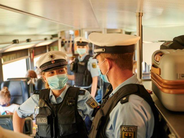 Maskenpflicht: 6.000 Bundespolizisten ermahnen binnen eines Tages 3.000 Reisende