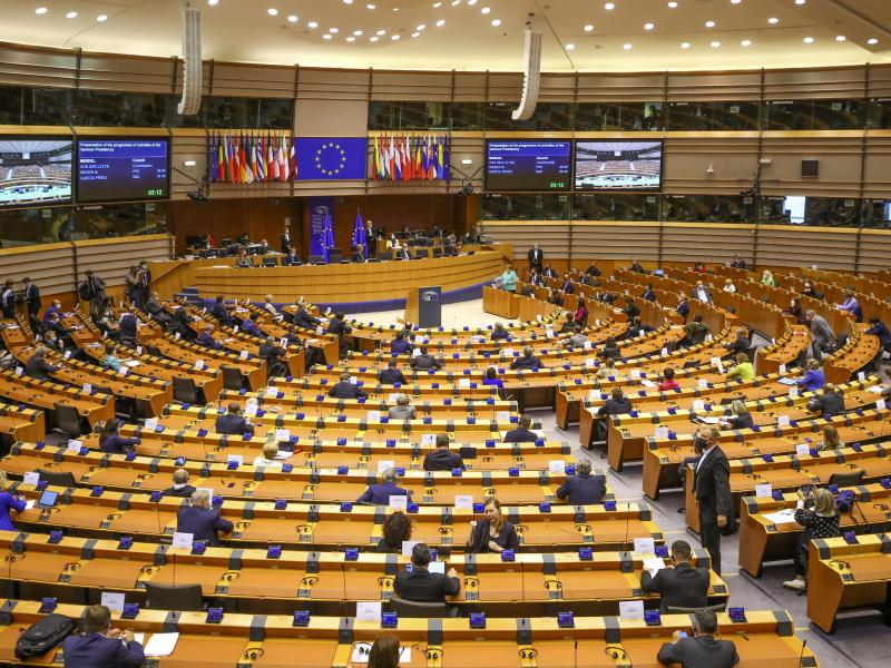 "EU droht Taliban bei gewaltsamer Machtergreifung mit internationaler ""Isolation"""