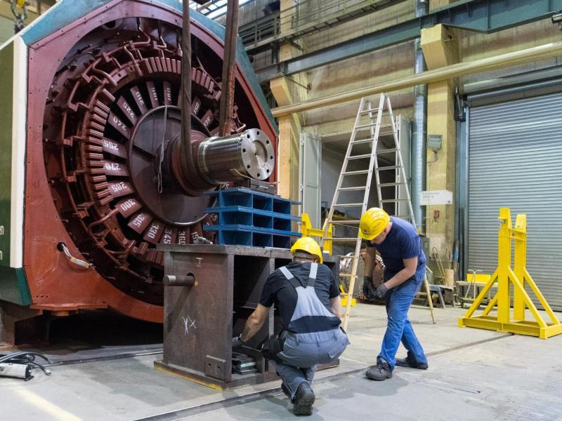 Deutsche Unternehmen: Stornierte Aufträge, Jobabbau, logistische Engpässe