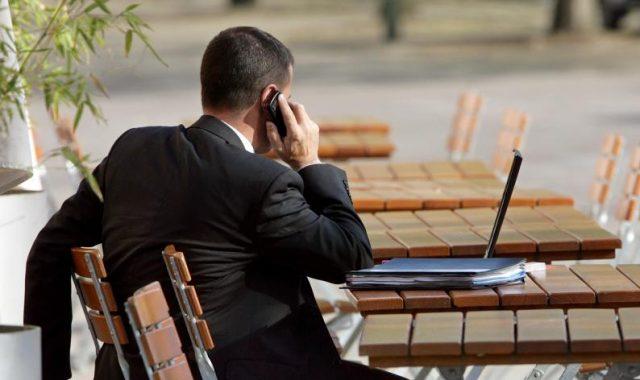Bundesregierung: 20.000 Angestellte – und Ausgaben von 186 Millionen Euro für Berater