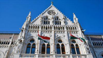 Orban blockiert EU-Haushalt: Für Brüssel sind nur die Länder Rechtsstaaten, die Migranten einlassen