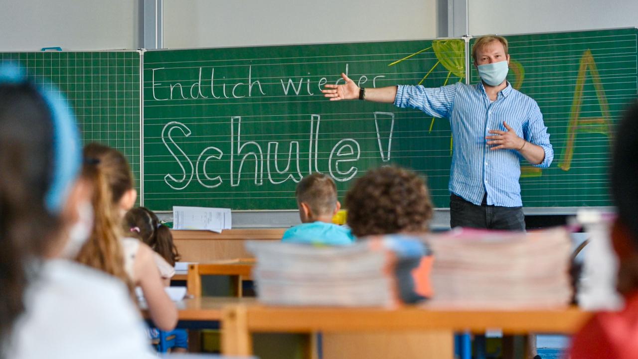 Jeder vierte Lehrer zeigt in Corona-Krise Anzeichen von Burnout