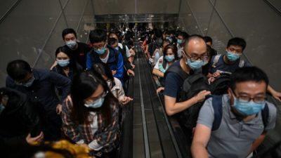 Chaos am Airport von Shanghai: Neue Corona-Infektionen führen zu Massentestungen