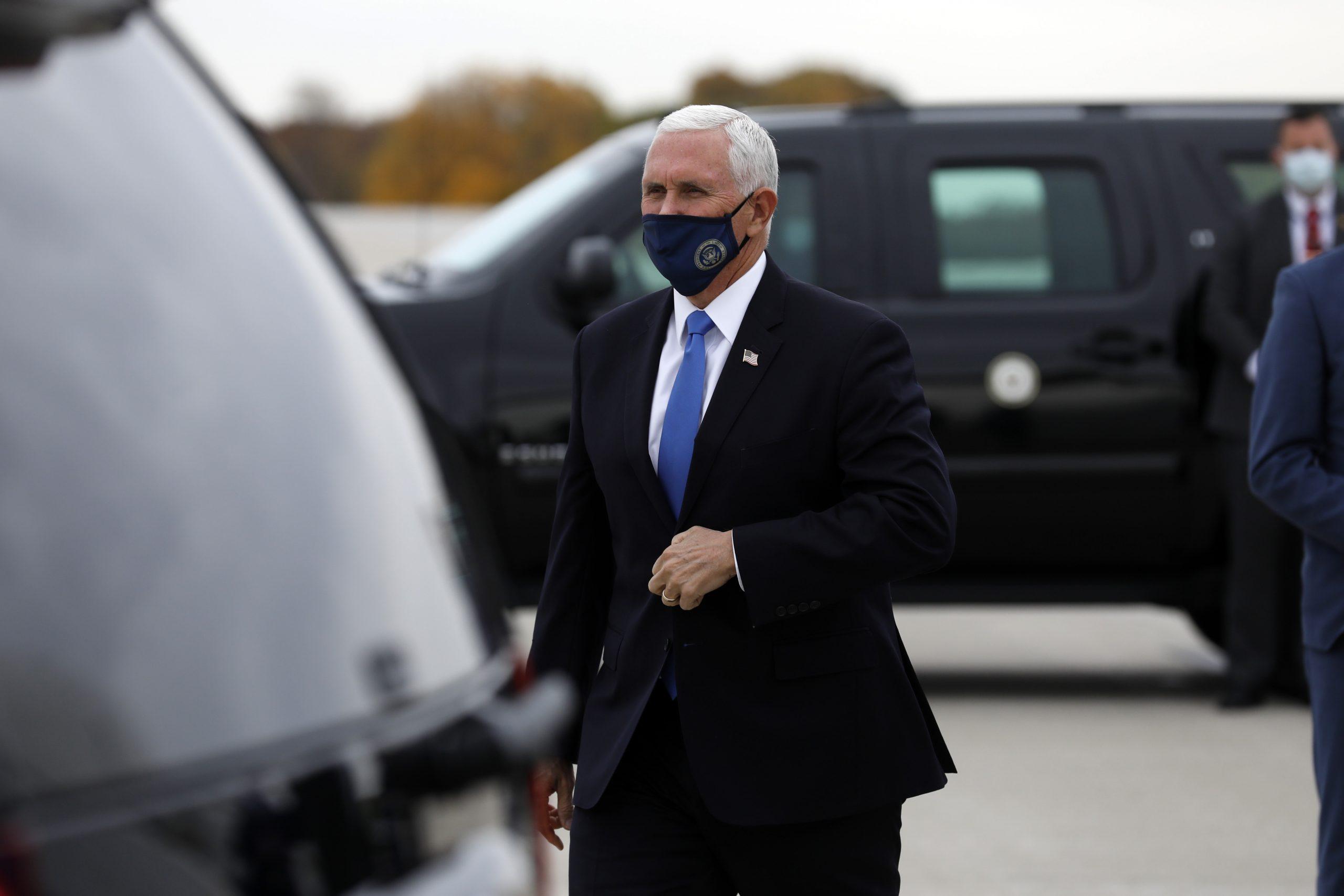 """Mike Pence: """"Es ist nicht zu Ende, bevor es zu Ende ist"""" – Republikaner stellen sich hinter Trump"""
