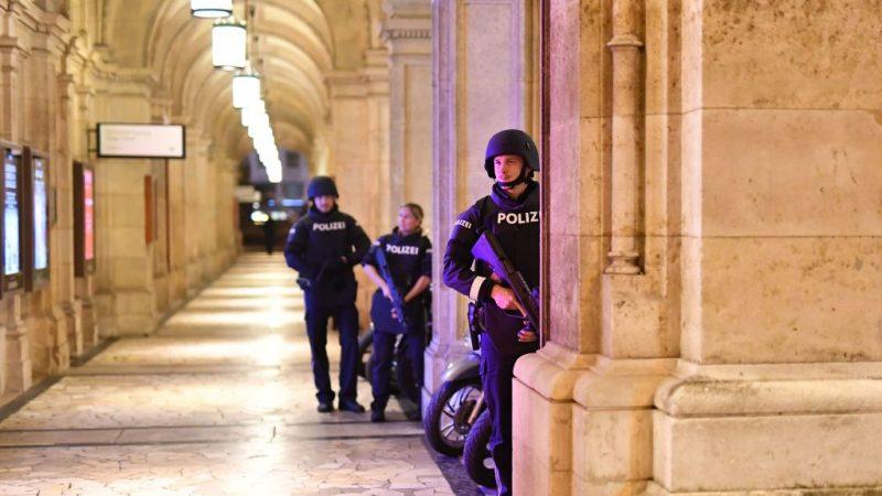 NEWSTICKER: IS bekennt sich zu Attentat in Wien – Islamist hatte keine Unterstützer aus Deutschland