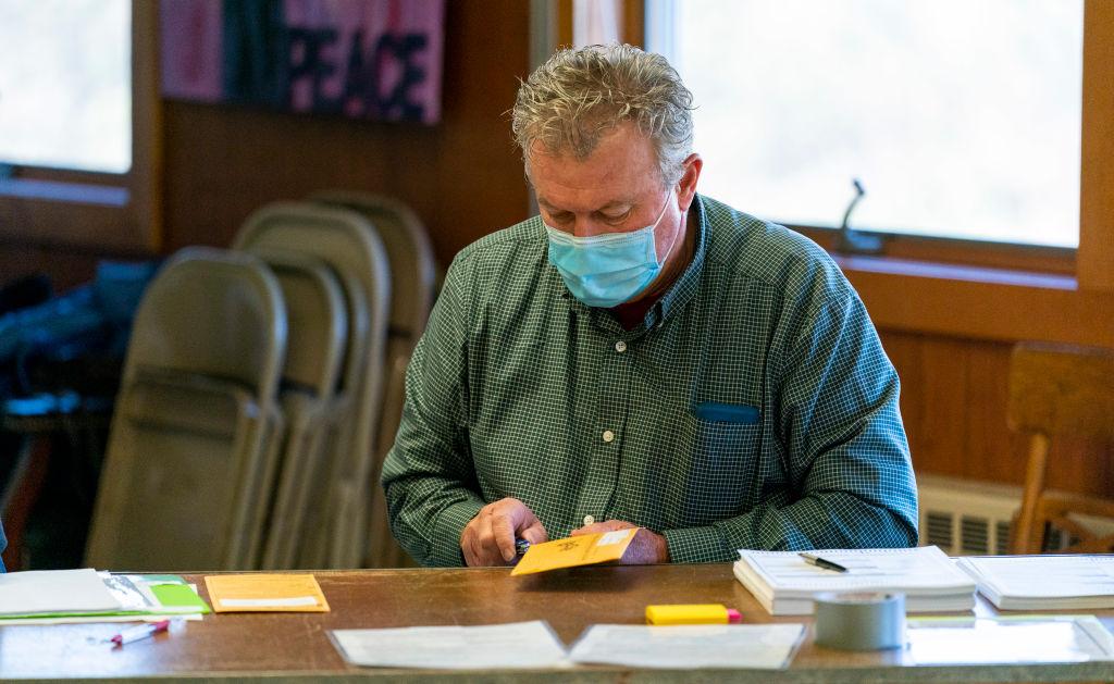 Wisconsin: Verstoß gegen Landesgesetz – Handreichung für Wahlhelfer wies diese an, selbst Zeugenadressen auszufüllen