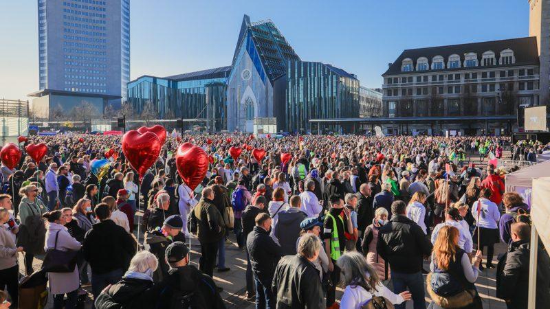 Leipziger Stadtrat setzt sich mit Geschehen rund um Querdenken-Demo vom 7.11. auseinander