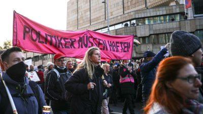 """""""Querdenken"""" wird extremistisch? RA Hannig entlarvt Provokateure – Störer unterwanderten Demonstration"""