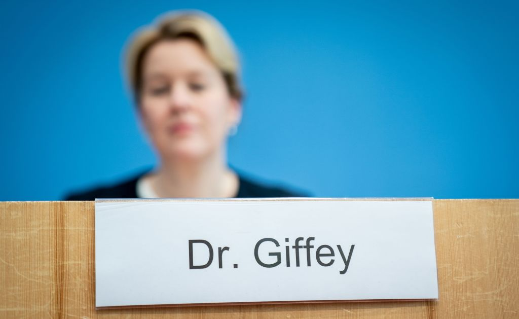 SPD-Politikerin Giffey verliert Doktortitel wegen Plagiaten in Dissertation