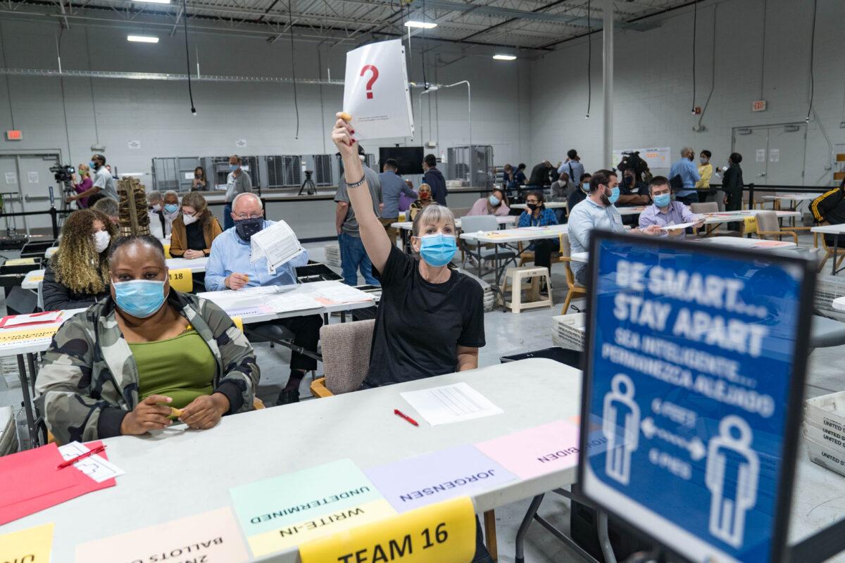 Daten-Spezialist untersucht sechs US-Bundesstaaten auf Wahlbetrug – 1,25 Mio. Hinweise eingegangen
