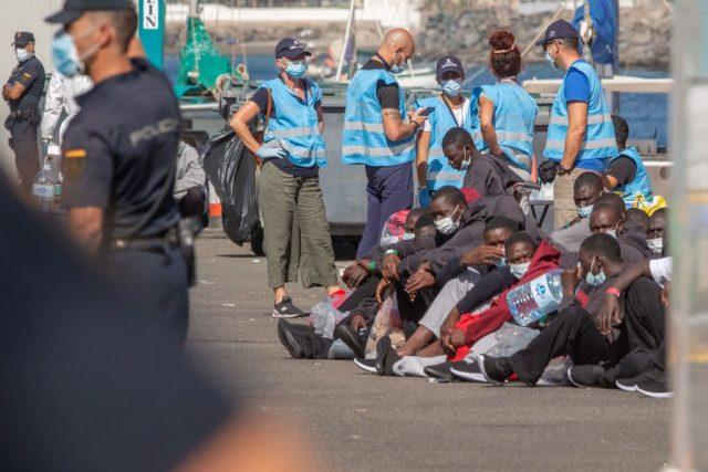 Jeder 5. Migrant reist über die Kanaren...