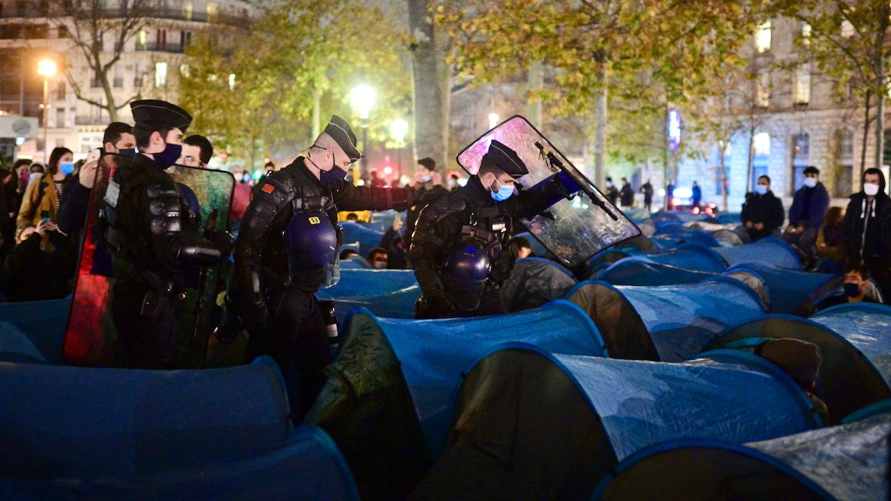 Pariser Polizei setzt Tränengas bei Räumung von Migrantenlager ein