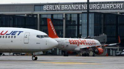 Grüne verlangen von Scholz und Scheuer Auskunft über Finanzen von Berliner Flughafen
