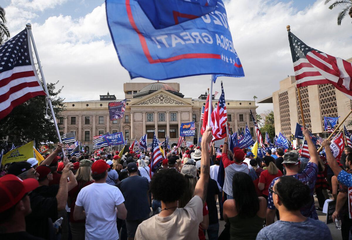 """Arizona: Demonstranten fordern Integrität der Wahl – """"Was hier vor sich geht, ist nicht richtig"""""""