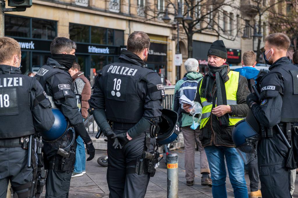 """Verfassungsgericht: """"Querdenken""""-Demo in Bremen bleibt verboten"""
