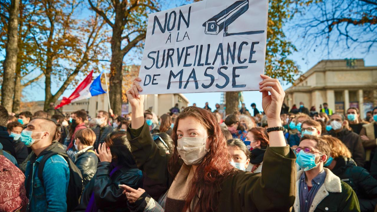 """Heftige Kritik nach """"Filmverbot"""" der Polizei in Frankreich"""