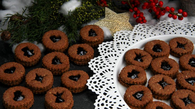 Linzer Plätzchen sind die Miniaturausgaben der weltberühmten Linzer Torte.