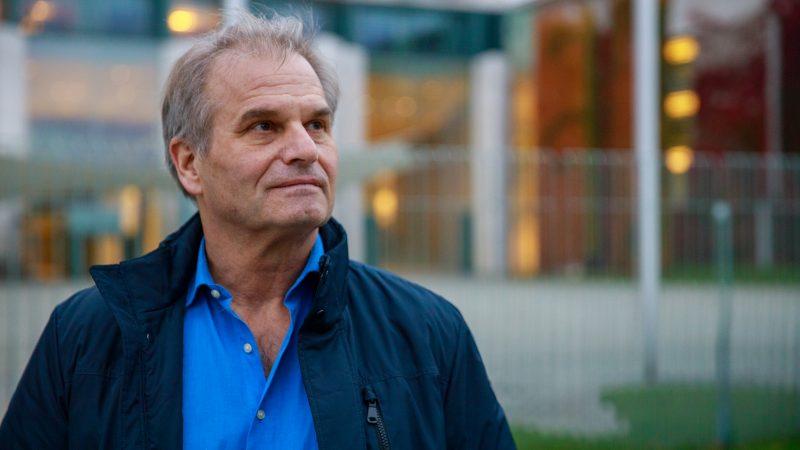 """Interview mit Anwalt Dr. Fuellmich: PCR-Tests und """"dieBasis"""" – Klage gegen Drosten, Wieler & Co. geplant"""