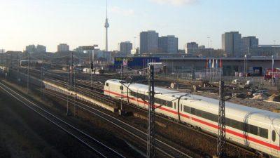 Neuer U-Bahnabschnitt durch Berlins historisches Zentrum eröffnet