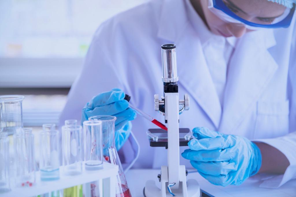 Vor Notfallzulassung von mRNA-Impfstoffen noch viele Hürden und offene Fragen