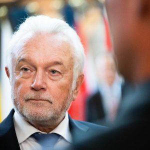 CORONA-TICKER: Kubicki wirft Merkel nach Corona-Beschlüssen Starrsinn vor