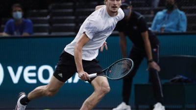Zverev beim Tennis-Turnier in Paris im Finale