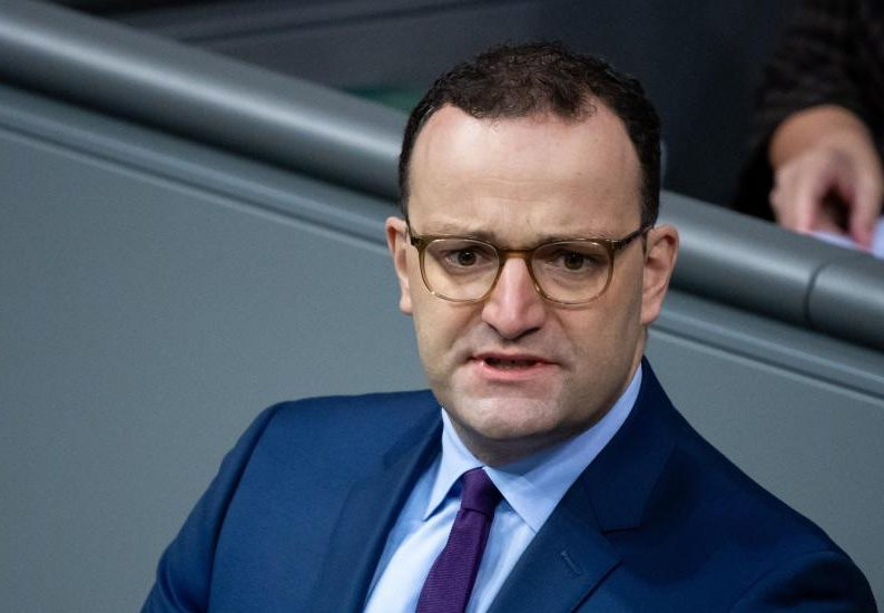 Berlin will höhere Mengen bei Biontech-Impfstoff notfalls separat nachverhandeln