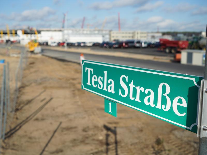Gewerkschaft moniert Teslas Umgang mit deutschen Tarifstandards