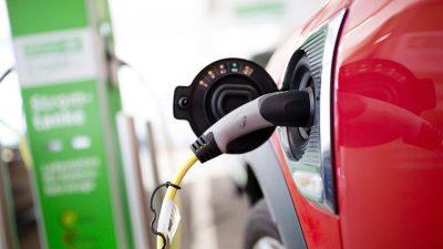 """""""Mogelpackung"""": Hohe Subventionen befeuern E-Auto-Nachfrage"""