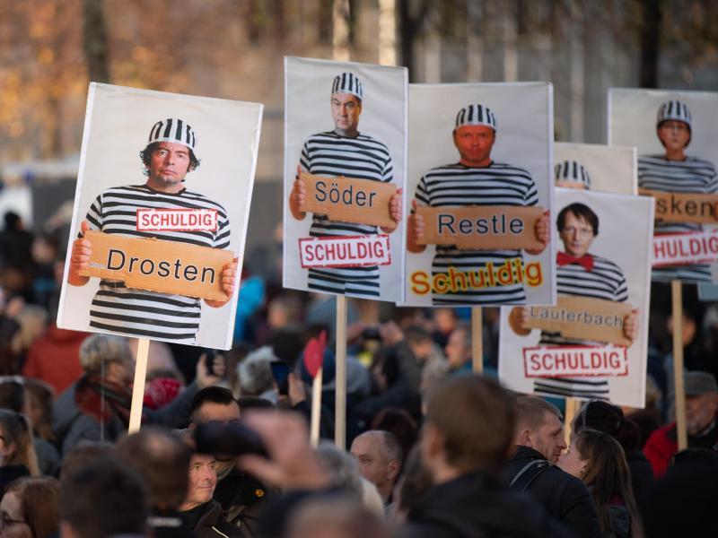 Polizei Hannover will Beamten nach Reden bei Querdenken-Demos aus Dienst klagen