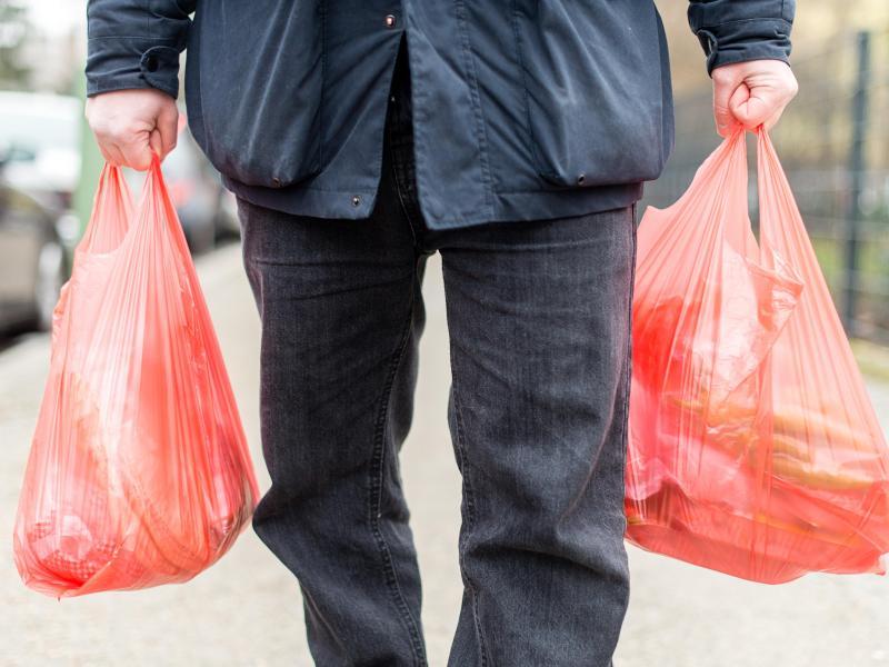 """Das Ende der """"Plastiktüte"""" ist besiegelt – Koalition stimmt dafür"""