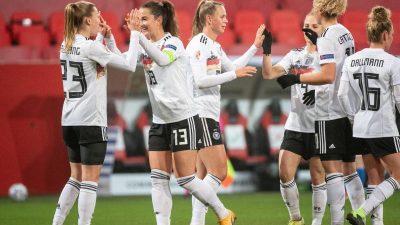 Mit Freigang-Hattrick: DFB-Frauen schlagen Griechenland