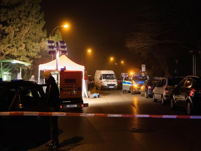 Nach Todesfall an Augsburger Haltestelle – Tatverdächtigtes Paar festgenommen