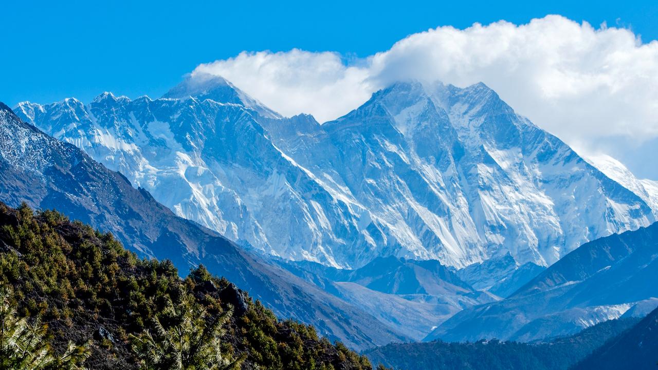 Mount Everest ist 86 Zentimeter höher als bisher offiziell angegeben