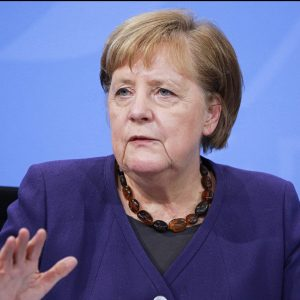 Merkel sieht Migrantenkinder durch Schulschließungen besonders belastet