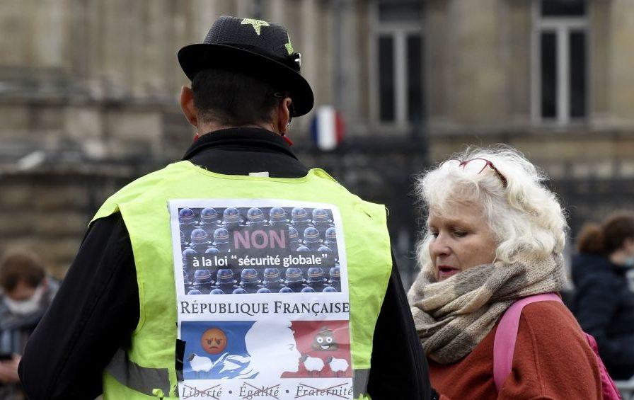 Tausende Franzosen gehen erneut gegen Sicherheitsgesetz auf die Straße