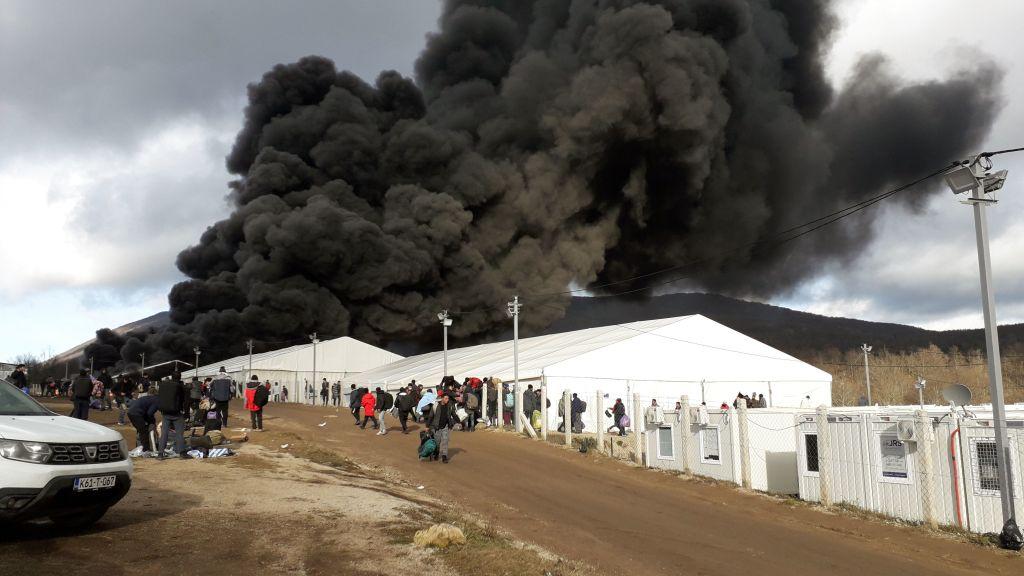 Lage für Migranten in Bosnien nach Brand von Lager weiter unklar