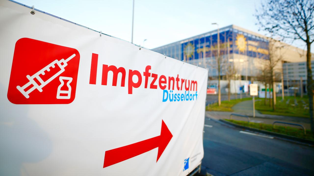 Erste Corona-Impfdosen in Deutschland eingetroffen – Spahn: Impfen ist entscheidender Schlüssel zum Sieg